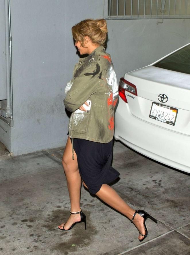 Beyonce--Leaves-Son-of-a-Gun-Restaurant--08-662x891